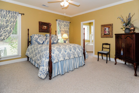 5963-waterside-drive-bedroom-546x363px